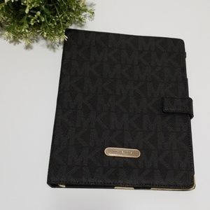 Michael kors iPad case new without tag
